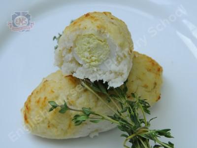 Зразы из трески с перепелиным яйцом