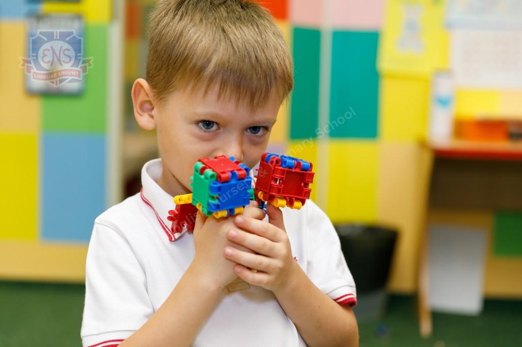 Как научить ребенка английскому языку, если родители не говорят на нем?